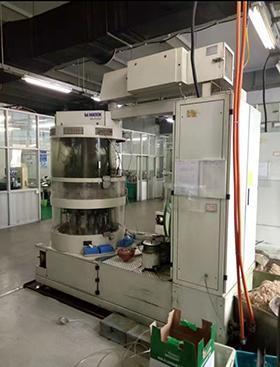 冷水机应用于笔尖生产线
