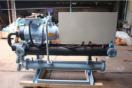 螺杆式冷水机的保养方法