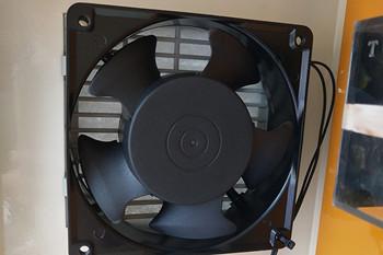 冷水机的制冷系统进水原因及解决方法