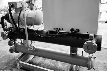 怎么有效解决冷水机压缩机回油不畅?