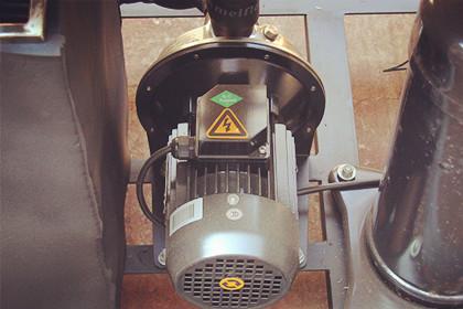 如何给工业冷水机选配冷却水塔?
