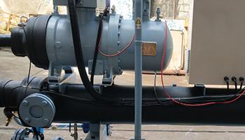 水冷螺杆式冷水机中润滑油的作用