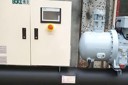 如何预防风冷螺杆式工业冷水机组受潮?
